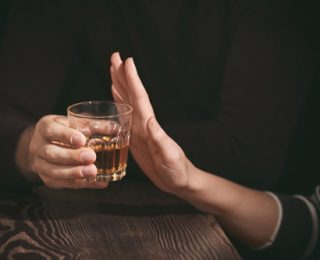 Sober Socializing: How to Turn Down Alcohol in Social Settings